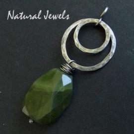Hanger Green Garnet