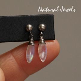 gereserveerd - Zilveren oorstekers Maansteen