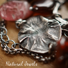 Donkerrode edelsteen armband zilver