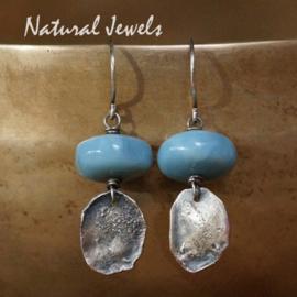 Zilveren blauwe Opaal oorbellen
