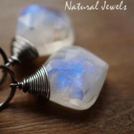 Maansteen spiraal oorbellen zilver