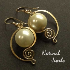 14K Goldfilled Elegant Cream Shell Pearls