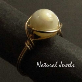 Ring Golden Mother of Pearl