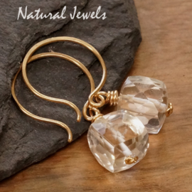 Gouden oorbellen Bergkristal Cubes