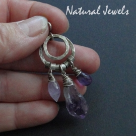 Small robust purple pendant