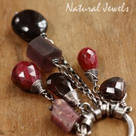 Donkerrode edelsteen hanger zilver