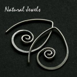 Silver spirals - inbetween