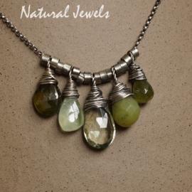 Zilveren setje groene edelsteen brioletten
