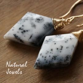 Gouden oorbellen Dendriet Opaal