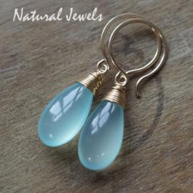 Blauwe Chalcedoon oorbelletjes goud