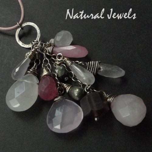 Necklace Bunch of Pink