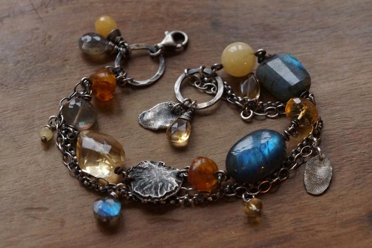 Verwonderlijk Handgemaakte natuurlijke zilveren en gouden sieraden met edelstenen DO-53