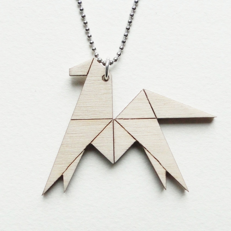 Origami paard ketting lines