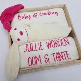Houten giftbox tutpopje fuchsia | Hoera, jullie worden oom en tante!