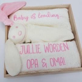 Houten giftbox tutpopje roze | Hoera, jullie worden opa en oma!