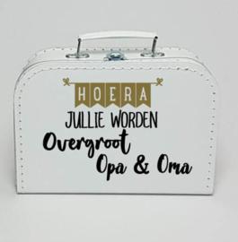 Kinderkoffertje wit | Hoera jullie worden Overgroot Opa en Oma