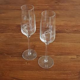Champagne glazen | naam, datum en ringen