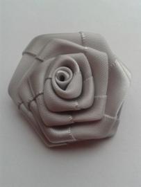 Satijnen roosje | grijs