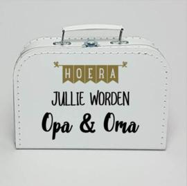 Kinderkoffertje wit | Hoera jullie worden Opa en Oma