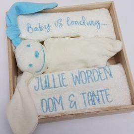 Houten giftbox tutpopje blauw | Hoera, jullie worden oom en tante!
