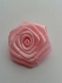 Satijnen roosje | roze