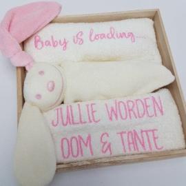 Houten giftbox tutpopje roze | Hoera, jullie worden oom en tante!