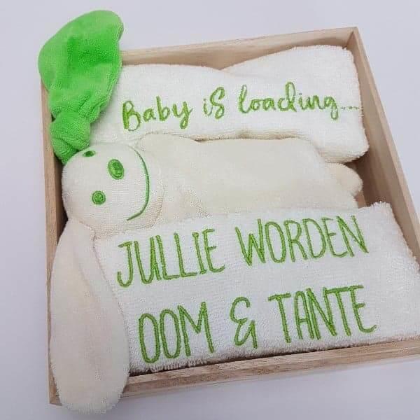 Houten giftbox tutpopje lime groen   Hoera, jullie worden oom en tante!