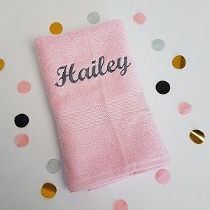 roze handdoek met naam
