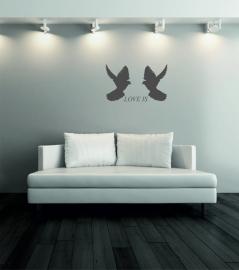 muursticker: 2 duiven met tekst LOVE IS - prijs vanaf