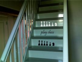 trapsticker: play chess (met schaakstukken )