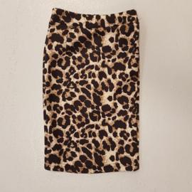 Classy leopard skirt
