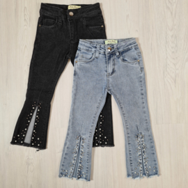 Split & pearls jeans