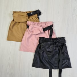 Belted & Colored leather skirt