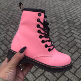 Pink basic boots - glow in the dark