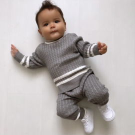 Grey knitted stripe set