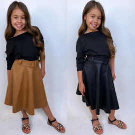 Belted long leatherlook skirt