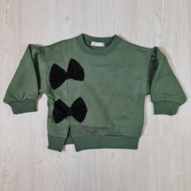 Green bow sweater