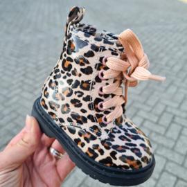 Shiny leopard boots