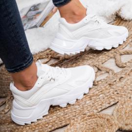 Basic white chunky sneaker