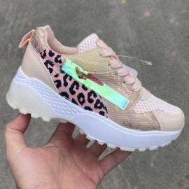 Pink Shiny Leopard sneaker