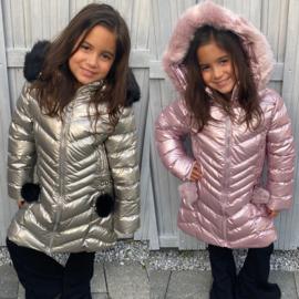 Shiny bubbly coat