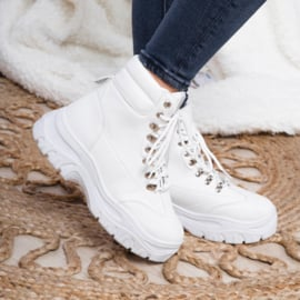 White spice it up boots