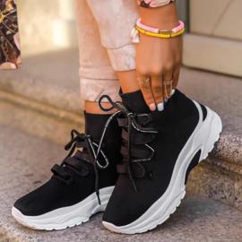 All black sneakers - ladies