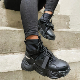 The perfect sneaker - black