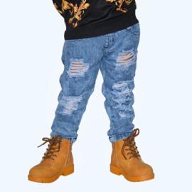 Distressed jogging jeans