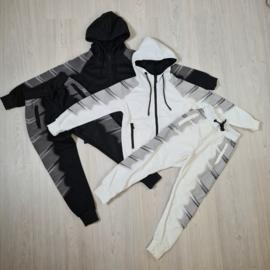 Black & White tough set