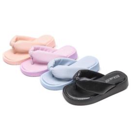 Slippers & Sandalen