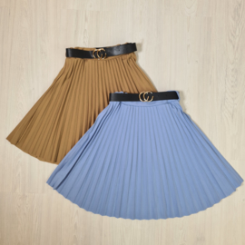 Long belted & pleated skirt