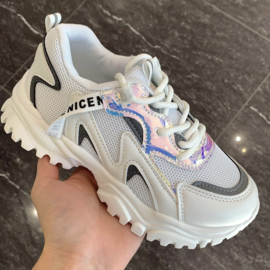 Be nice sneakers white