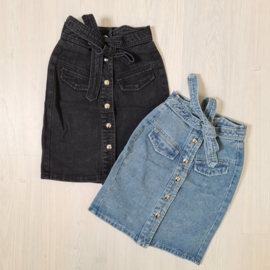 Never too much denim skirts